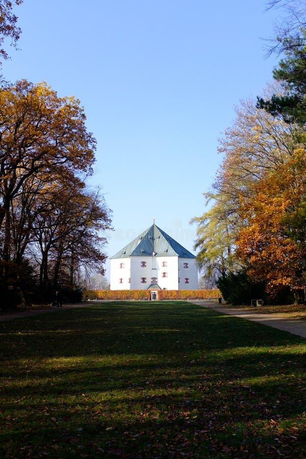 Pavillon d'été de Hvezda à Prague photos stock