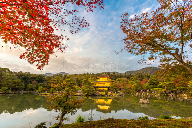 Pavillon d'or Kinkakuji photographie stock