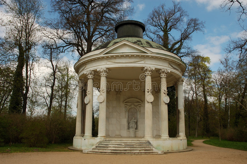 Pavillon dans le jardin de Sanssouci photo stock
