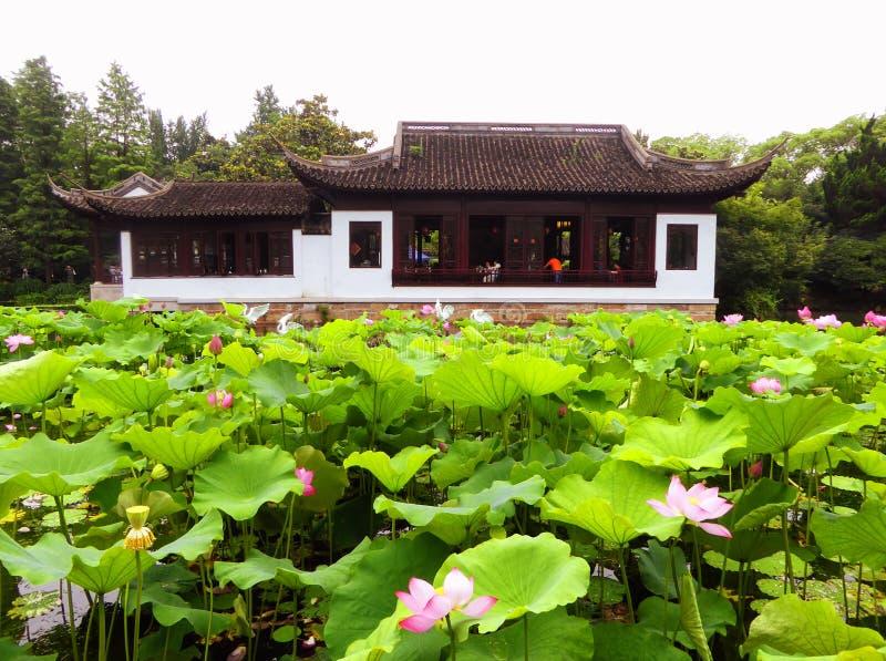 Pavillon de jardin de Guyi photographie stock