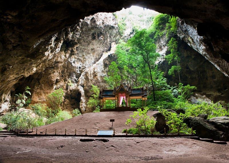 Pavillon de Kuha Karuhas en caverne de Phraya Nakorn images libres de droits