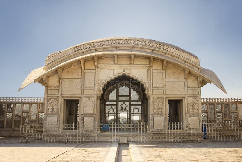 Pavillon de Naulakha dans le fort de Lahore photographie stock libre de droits