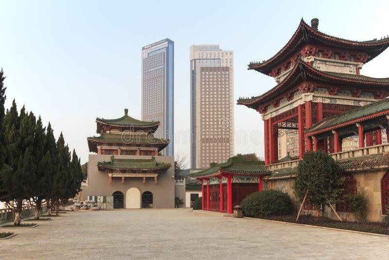 Pavillon de Tengwang à Nan-Tchang au coucher du soleil, une des quatre tours célèbres dans le sud de la Chine photo libre de droits