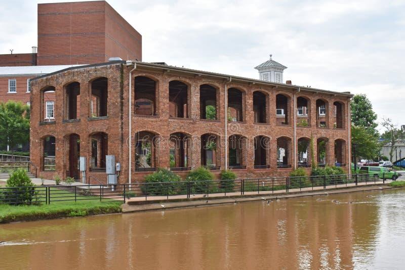 Pavillon de Wyche sur la rivière canneuse photo libre de droits