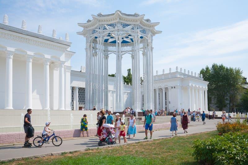 Pavillon der Kultur bei VDNKh in Moskau stockbild