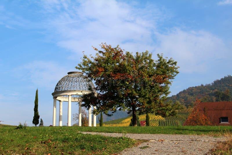 Pavillon en parc photo libre de droits