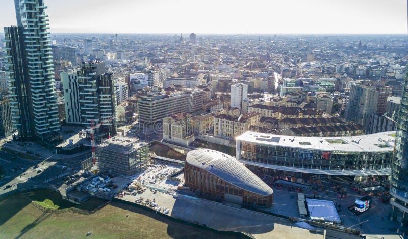 Pavillon et Piazza Gael Aulenti Milan, Italie d'UniCredit images libres de droits