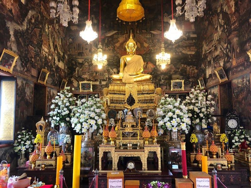 Pavillon intérieur de temple chez Wat Arun Ratchawararam, Temple of Dawn images stock