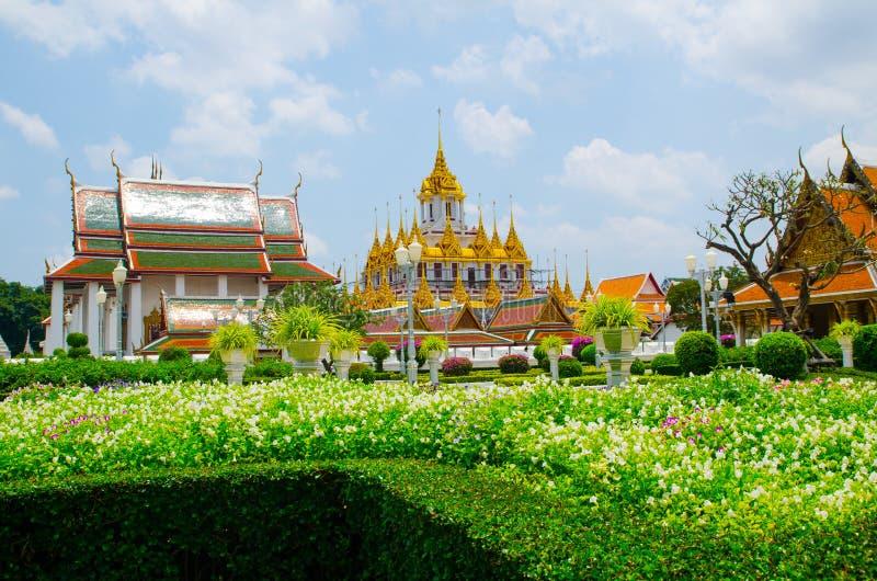 Pavillon royal de Mahajetsadabodin Situé à côté de Wat Ratchanatdaram Worawihan photographie stock