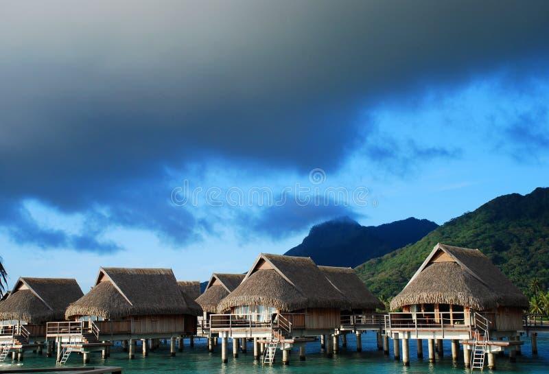 Pavillons d'Overwater Moorea, Polynésie française photo stock