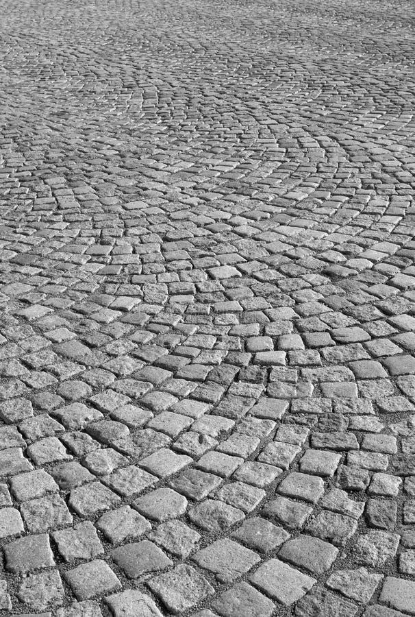 Pavimentadoras del granito de una plaza de la ciudad imágenes de archivo libres de regalías