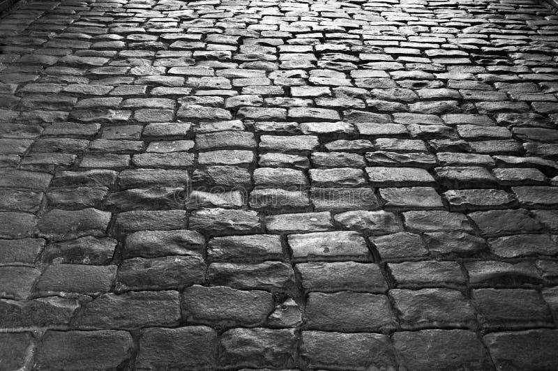 Pavimentazione antica del cobblestone immagine stock