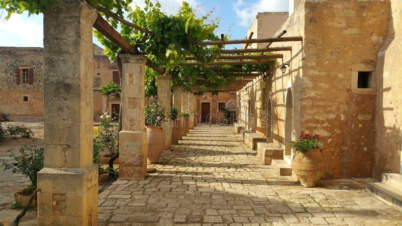 Pavimentazione e case di pietra fotografia stock