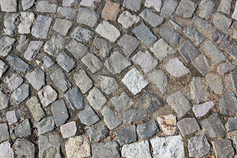 Pavimento de pedra cúbico na rua foto de stock royalty free
