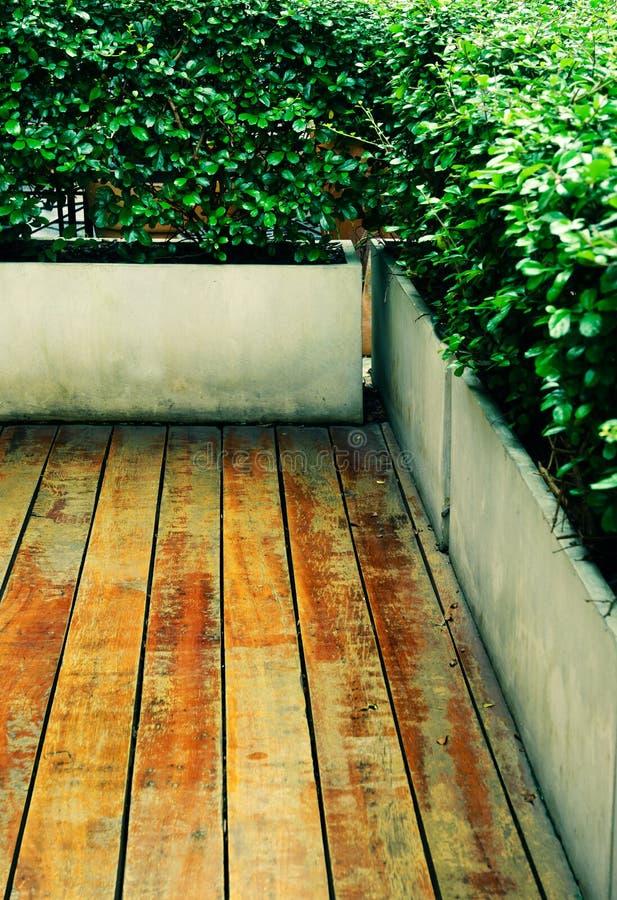 Download Pavimento Di Legno D'annata All'aperto Fotografia Stock - Immagine di decorazione, legno: 56893078