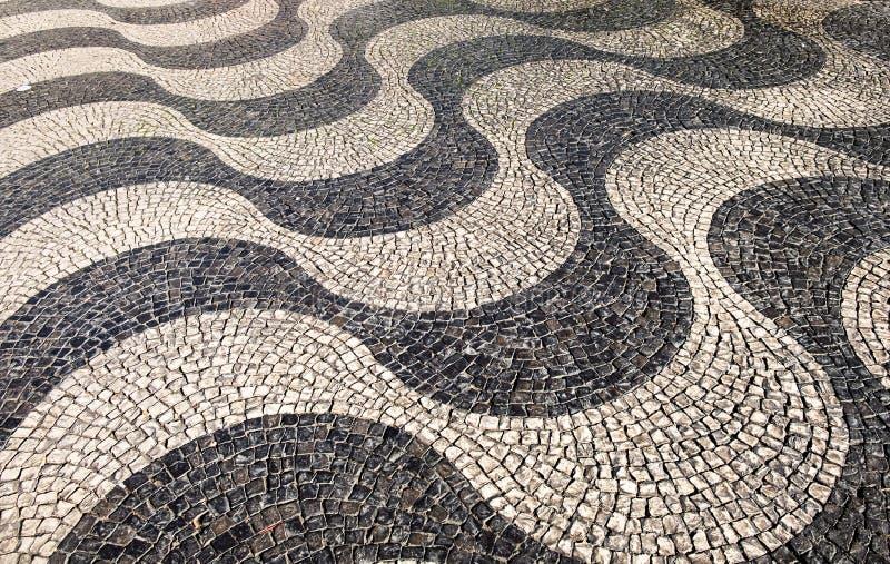 Pavimento portugués de estilo tradicional en Lisboa imagenes de archivo