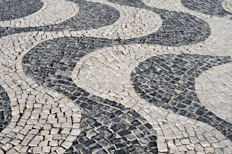 pavimento portugués típico en Lisboa, Portugal fotos de archivo