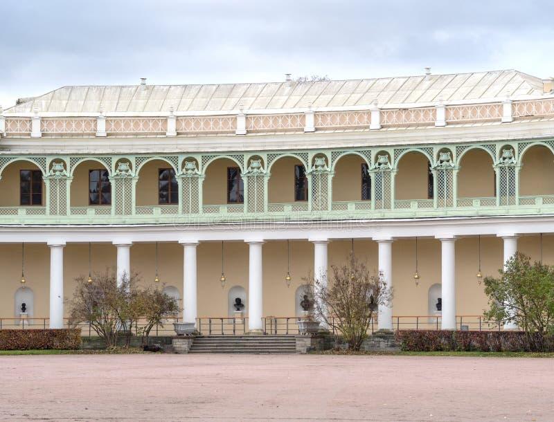 Pavlovsk slott - sommarslott av kejsaren Paul I i Pavlovsk, St Petersburg, Ryssland royaltyfri foto