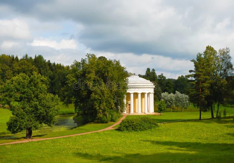 Pavlovsk Tempel der Freundschaft lizenzfreies stockbild