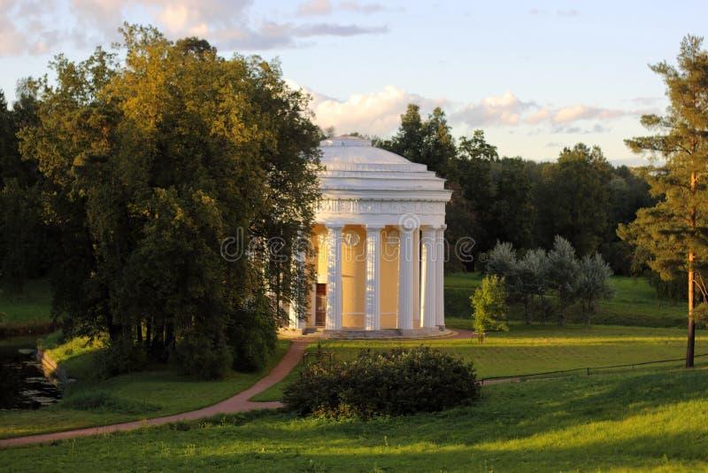 Pavlovsky park świątynia przyjaźń zdjęcie stock