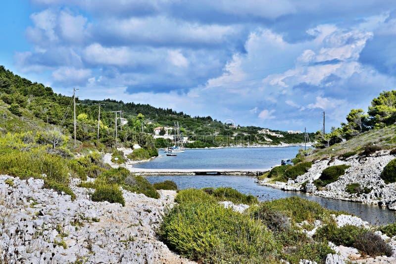 Paxos-estrada de Grécia, ilha a Mongonissi imagem de stock