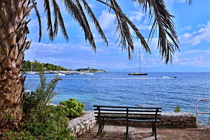 Paxos-vista de Grécia, ilha da ilha de Panavia imagens de stock royalty free