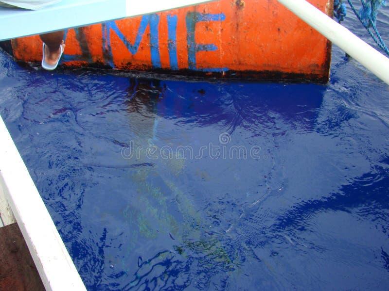 Payaos di mode utilizzati dall'industria della pesca artigianale della lenza a mano per il tonno albacora nelle Filippine fotografie stock