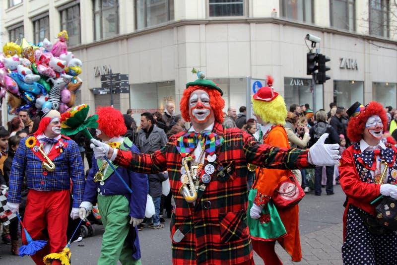 Payaso en el desfile de la calle del carnaval foto de archivo libre de regalías