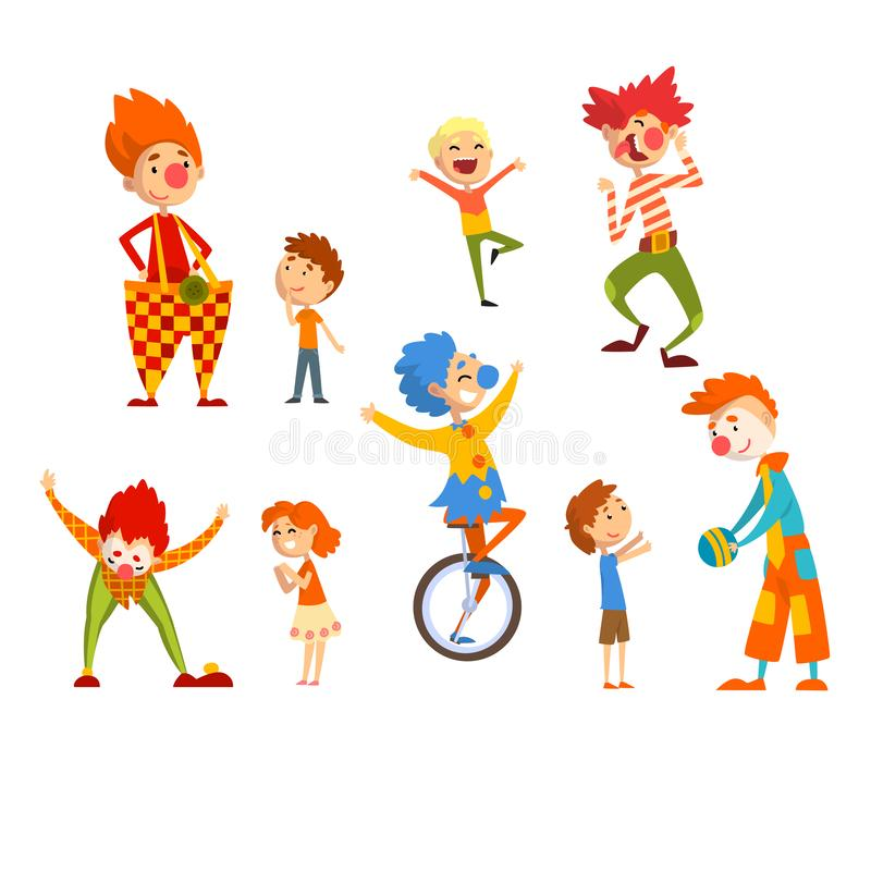 Payasos y niños felices fijados, niños que se divierten en el cumpleaños, partido del carnaval o vector del funcionamiento del ci ilustración del vector