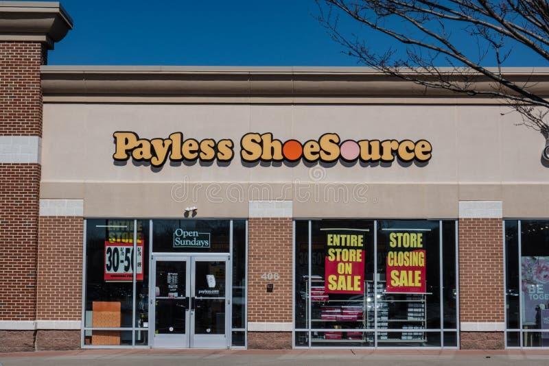 Payless har sparat för skydd för kapitel 11 och kritiseras för att stänga all USA-diversehandel arkivfoto