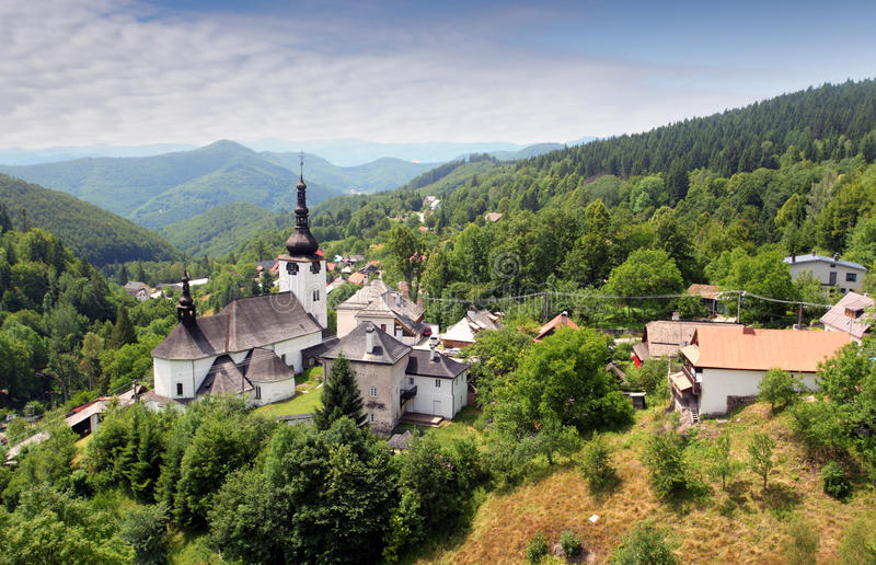 Pays en Slovaquie - village Spania Dolina photographie stock