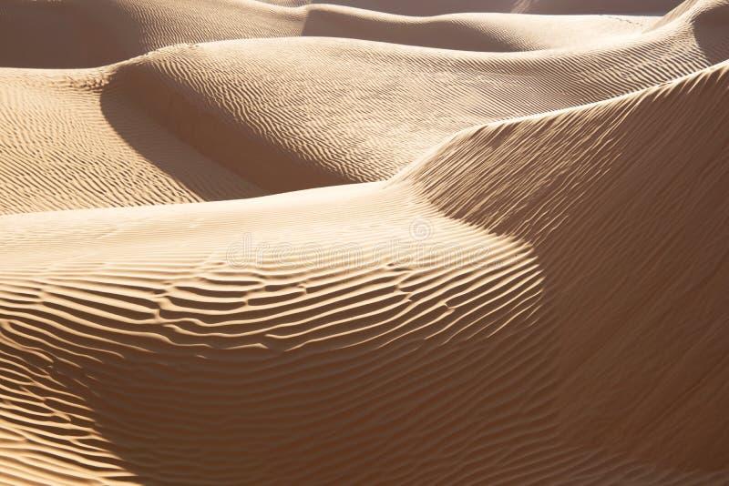 Paysage abstrait dans le désert de dunes de sable du Sahara photo libre de droits