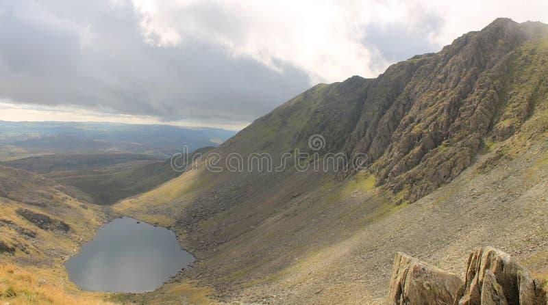 Paysage anglais de montagne de Cumbria de secteur de lac image libre de droits