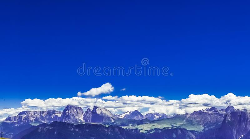 Paysage approximatif de montagne au Tyrol du sud photos stock