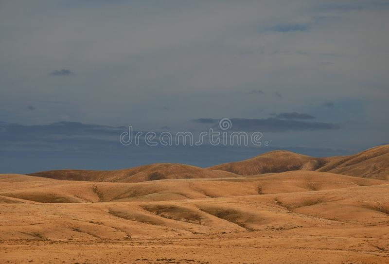 Paysage aride de Fuerteventura image stock