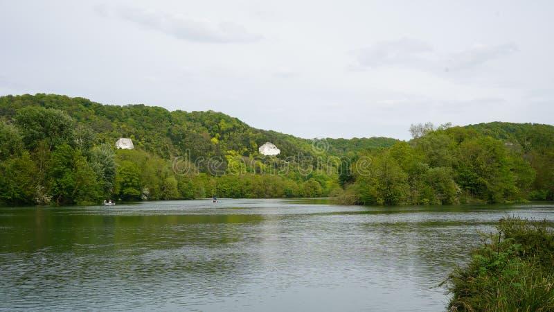 Paysage avec la falaise et la Seine, France photos stock
