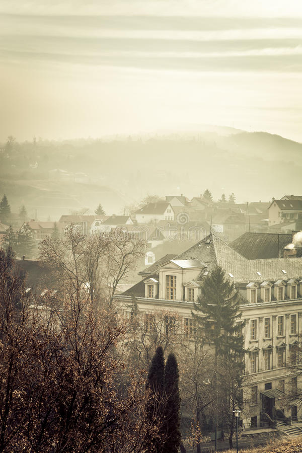 Paysage brumeux dans Esztergom hungary toned images stock