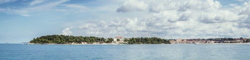 Paysage c?tier de baie en Croatie Vacances d'?t? Panorama photo libre de droits
