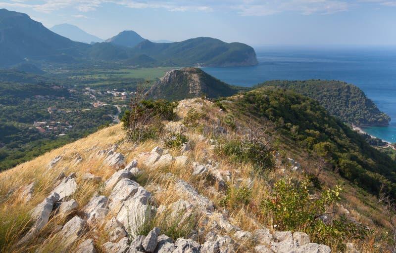 Paysage côtier de montagne, Monténégro photographie stock libre de droits