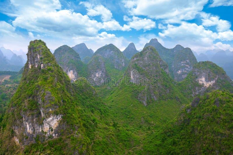 Paysage chinois de montagne photographie stock libre de droits