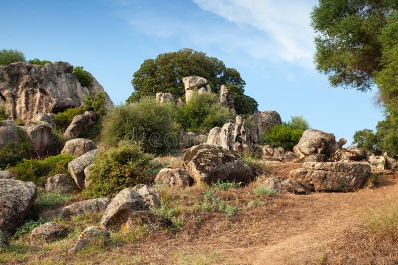 Paysage d'été avec des roches de Filitosa image libre de droits