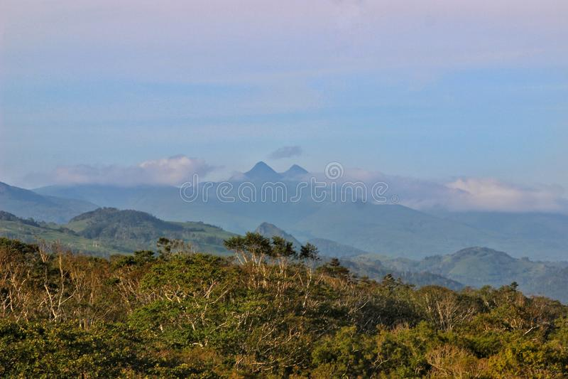 Paysage d'île de Kunashir photographie stock