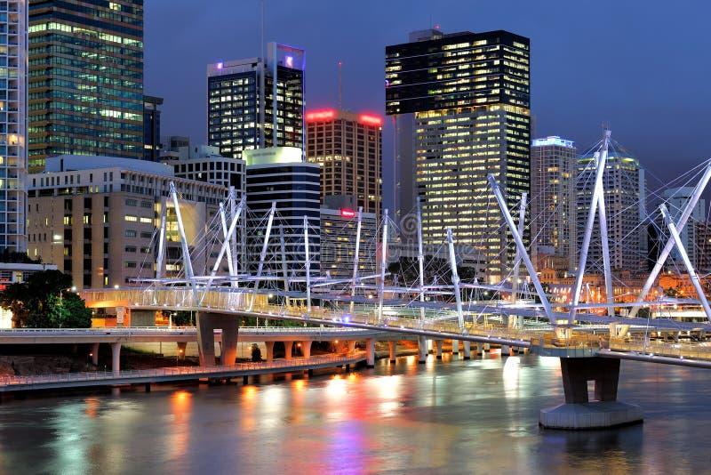 Paysage d'Australie : Bâtiments et ponts de ville de Brisbane photographie stock libre de droits