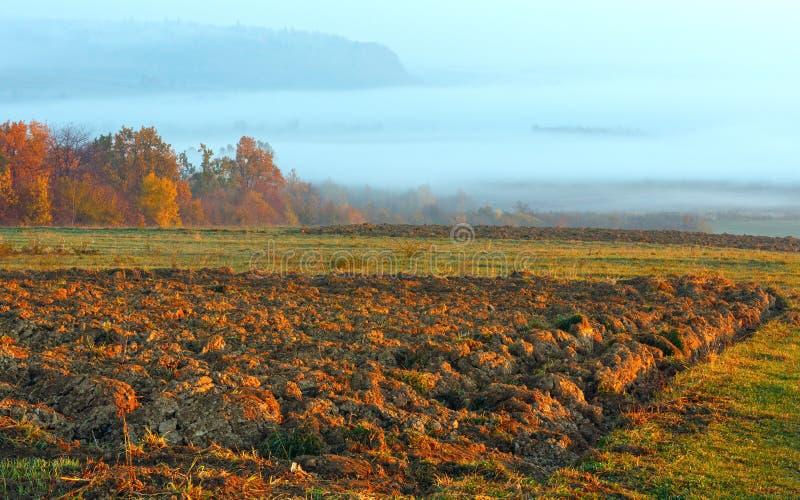 Paysage d'automne de pays de lever de soleil image libre de droits