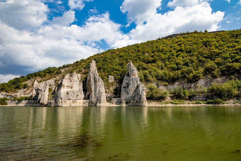 Paysage d'automne, falaises merveilleuses, Bulgarie images libres de droits