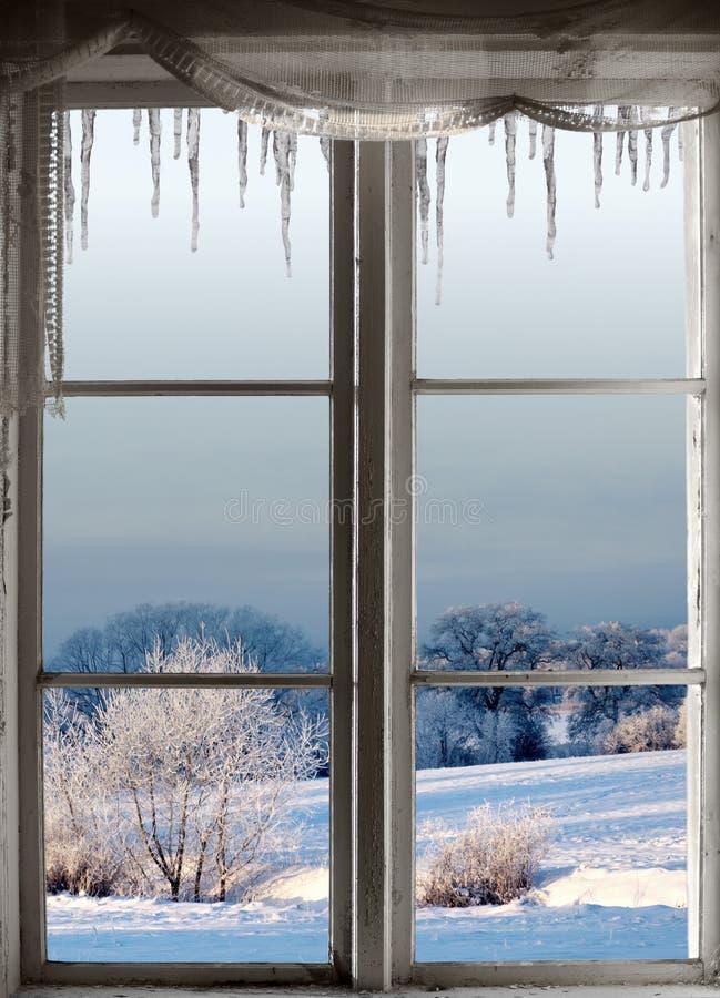 Paysage d'hiver par la fenêtre photos libres de droits