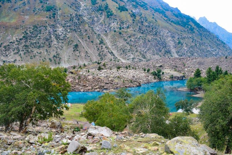 Paysage de belles montagnes et vallies des régions du nord du Pakistan images libres de droits