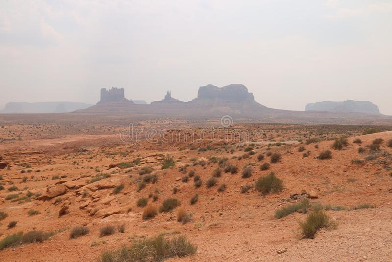Paysage de brouillard en Arizona, vallée de monument Color?, tourisme photo stock