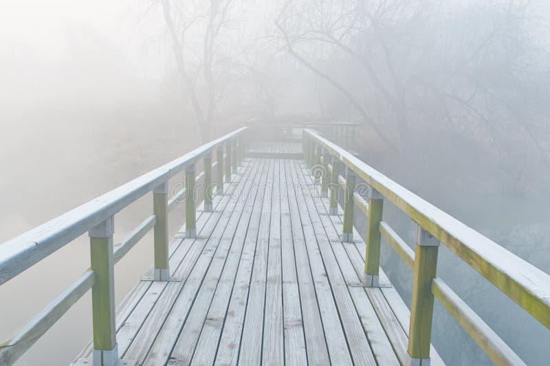 Paysage de brume images stock