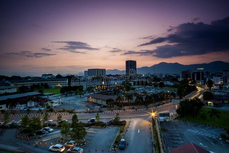Paysage de coucher du soleil chez Ipoh, Perak, Malaisie image libre de droits